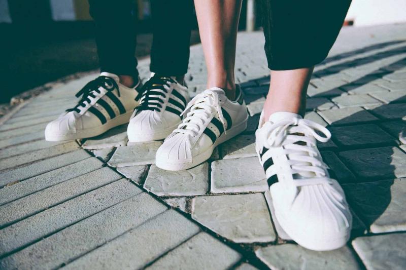 Chụp ảnh với giày