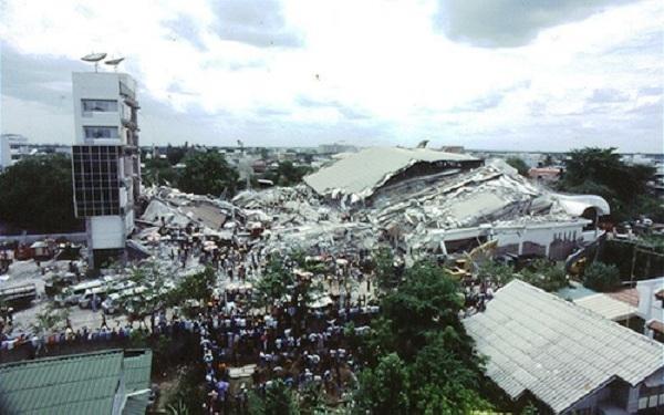 Royal Plaza Hotel của Thái Lan từng bị sập đổ vào thứ 6 ngày 13