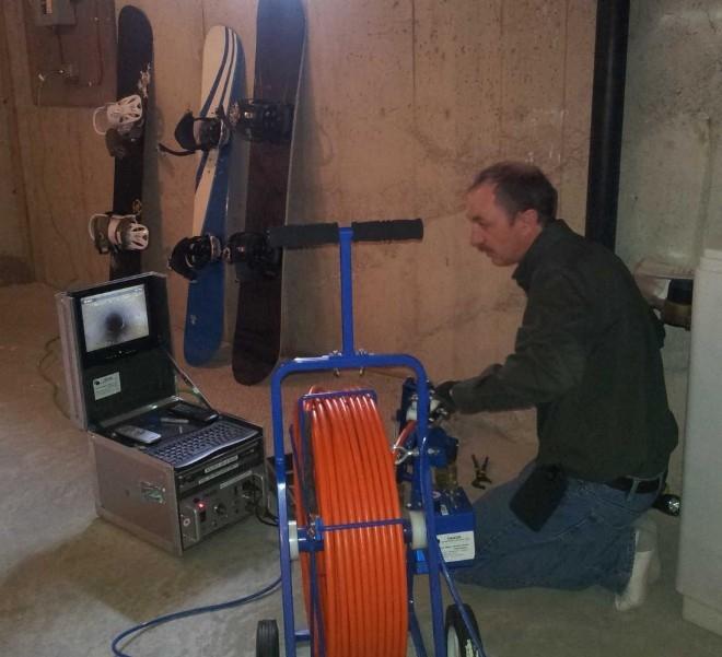 Công việc của một chuyên viên giám sát ống nước thải