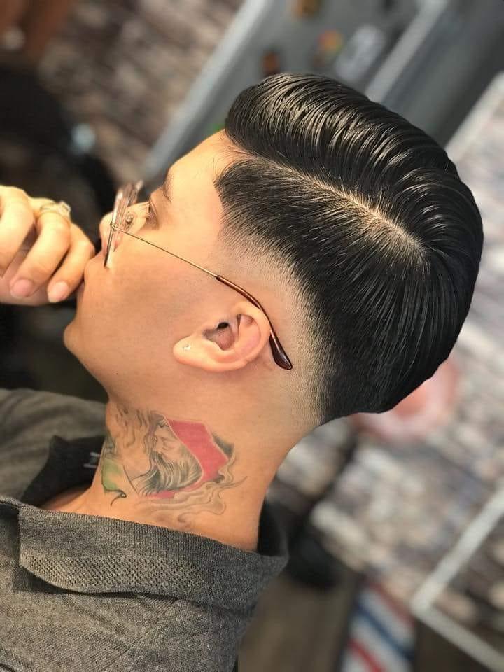 Đến ngay  Classic BarBer SHOP để chọn cho mình một kiểu tóc phù hợp nhất nào