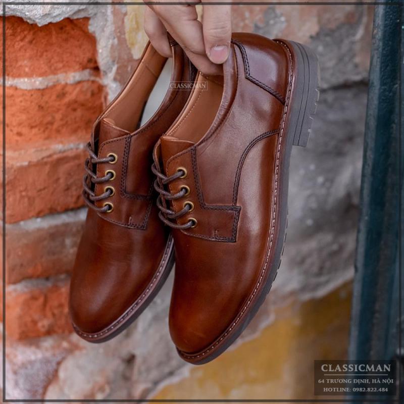 Classic Man lại là shop chuyên cung cấp các sản phẩm giầy dép với mẫu mã, màu sắc đa dạng, từ các loại giầy da lịch sự, bốt cao cổ cá tính, dép quai...