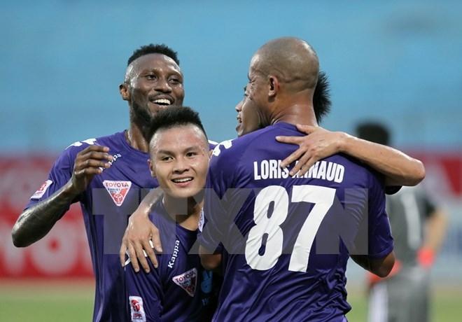 Bên cạnh những ngoại binh chất lượng, Hà Nội T&T luôn trao cơ hội cho những cầu thủ trẻ.