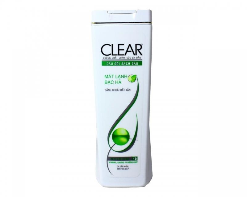Dầu gội đầu Clear giúp trị sạch gàu.