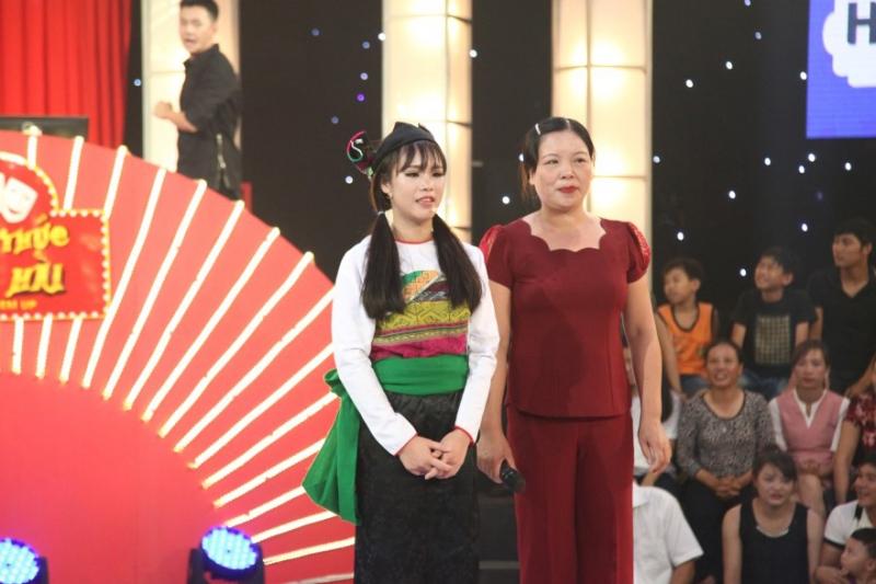 Lâm Oanh và mẹ