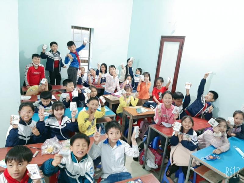 Cô giáo Thủy thực sự là một cô giáo rất năng động và nhiệt huyết trong việc tìm tòi để đem lại cho con em những kỹ năng tốt nhất