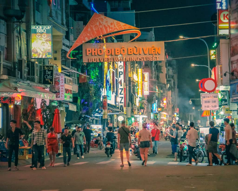 Môi trường làm việc tại Sài Gòn cũng chuyên nghiệp, hiện đại và thân thiện