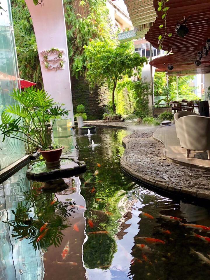 Cỏ May Saigon Cafe