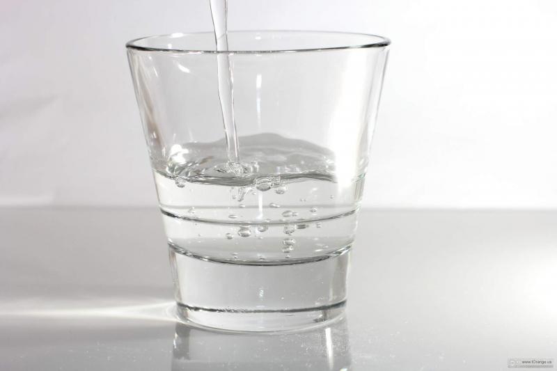 Có một cốc nước