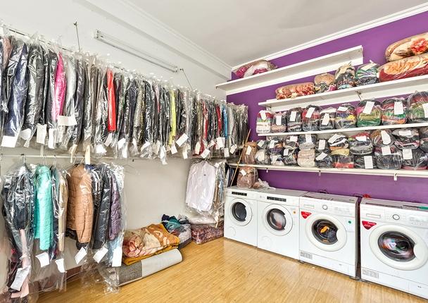 Cơ sở giặt ủi Sáu Vinh