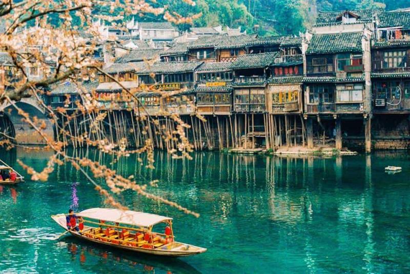 Cổ trấn Phượng Hoàng, Trung Quốc