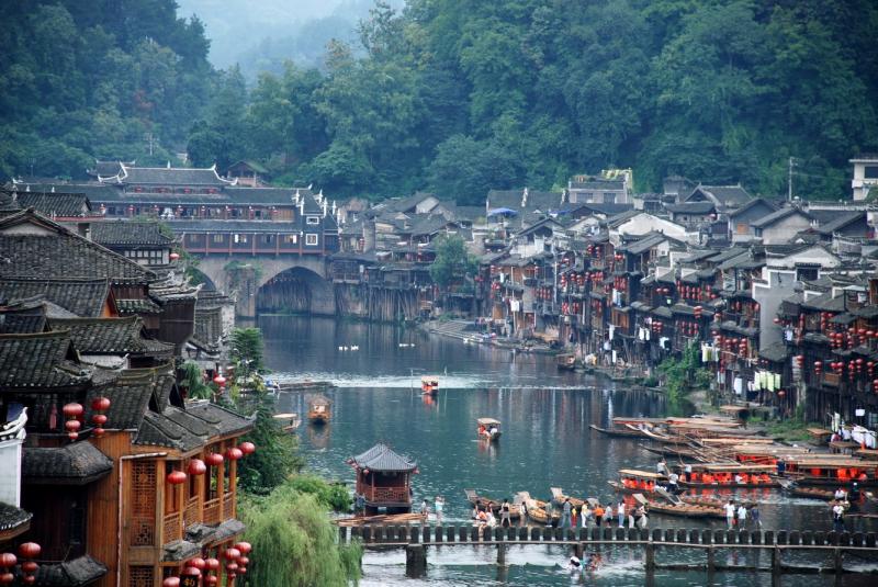 Tây Đường đẹp như một bức bích họa, khiến người ta cảm thấy như đang lạc về Trung Quốc từ những năm xa xưa.