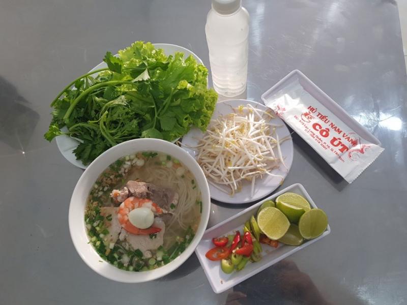 Quán Cô Út là một trong những quán hủ tiếu ngon tại khu vực Tân Bình, thu hút nhiều thực khách đến mỗi ngày