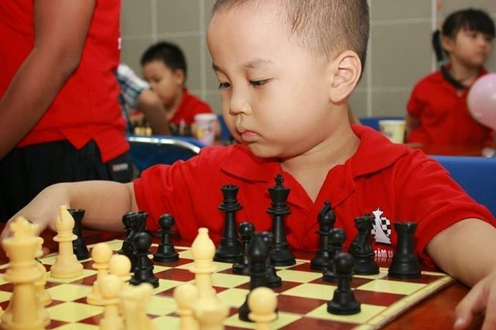 Chơi cờ Vua khơi gợi niềm ham thích học tập những kĩ năng quan trọng của trẻ em