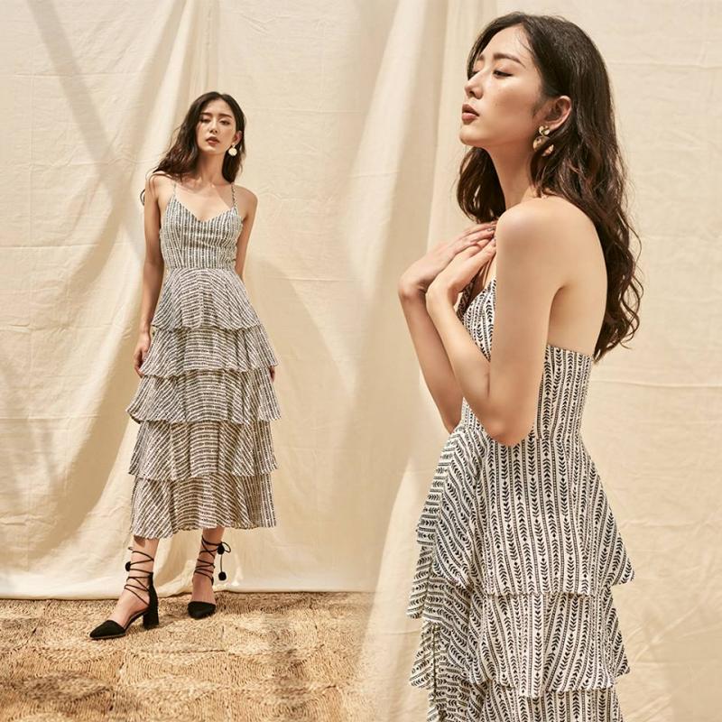 Thiết kế váy xếp tầng dịu dàng
