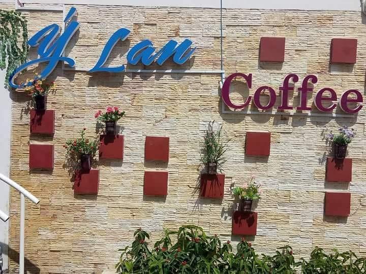 Ý Lan coffee