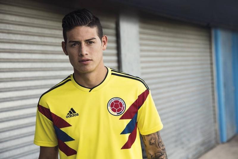 Cầu thủ Colombia trong chiếc áo đấu chính