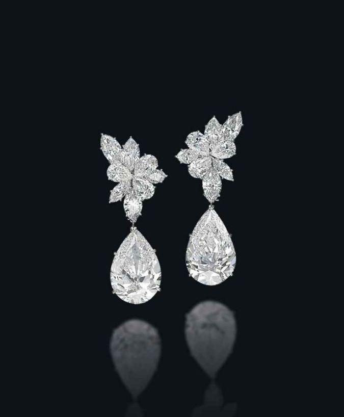 Harry Winston earrings: 8,3 triệu đô la