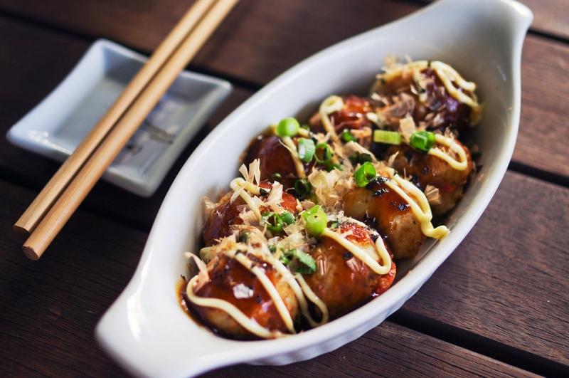 Bánh nhân bạch tuộc (Takoyaki)
