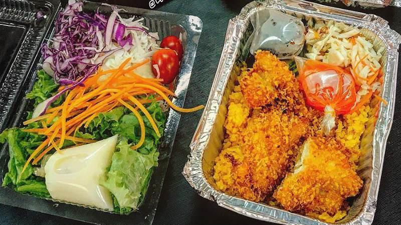Cơm gà Lê Trang đã có quán hẳn hoi và chỉ bán mang về