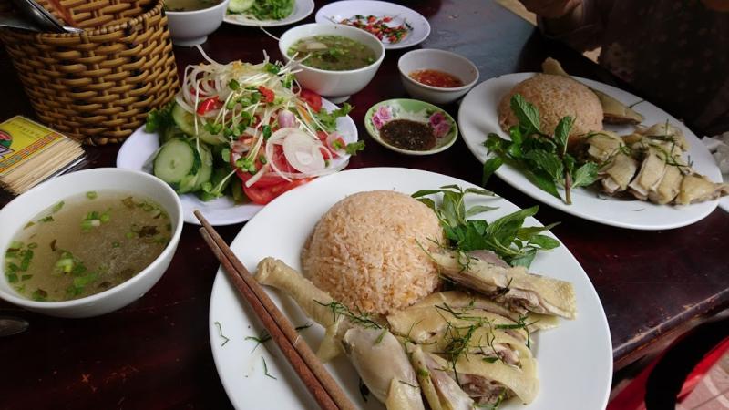 Cơm gà Phú Lai