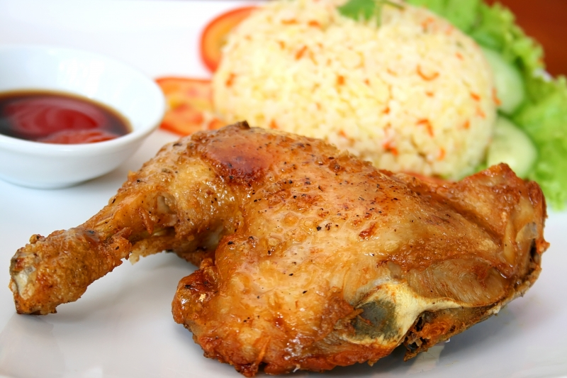 Cơm gà xối mỡ Lão Hương Thân
