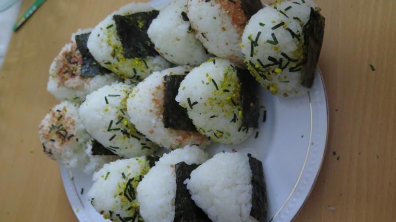 Món cơm nắm Onigiri Nhật Bản