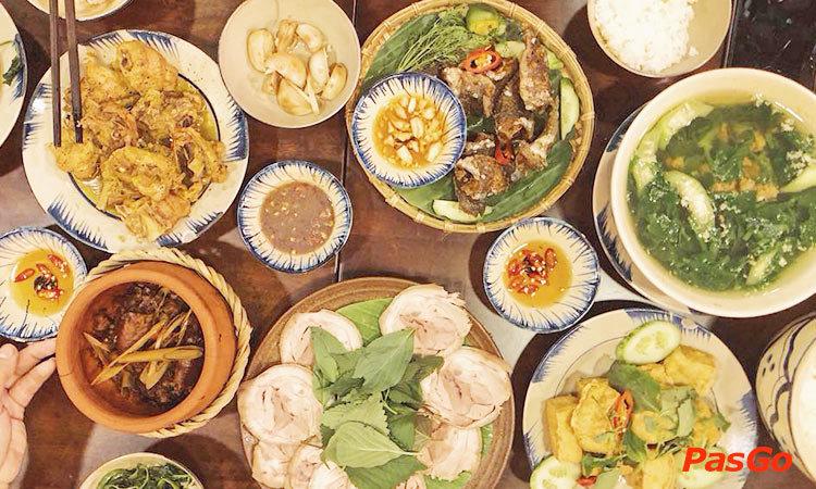 Cơm Nhà Tao - Hoa Phượng