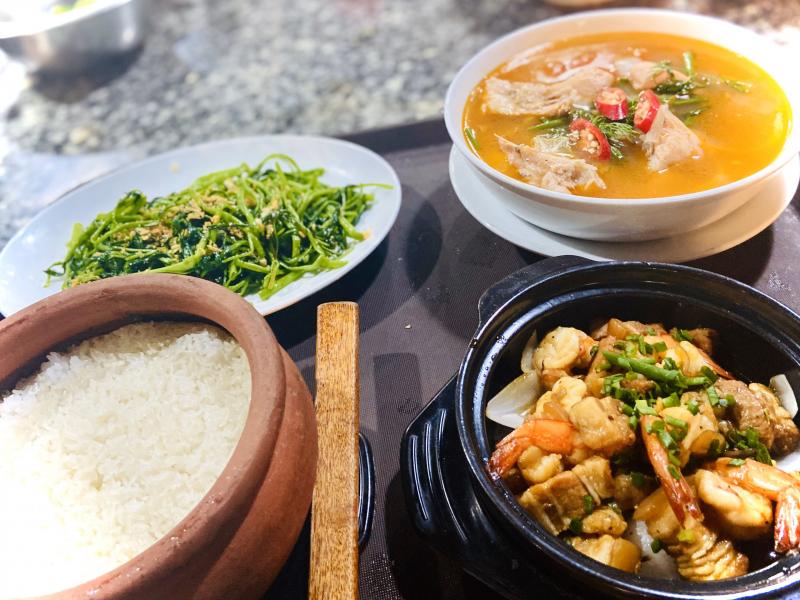 Cơm niêu Đại Việt