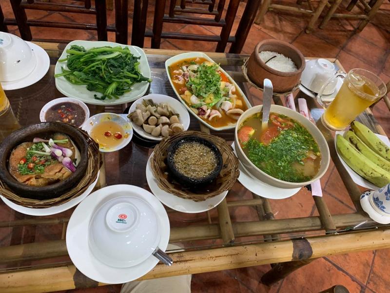 Cơm niêu Đất Việt