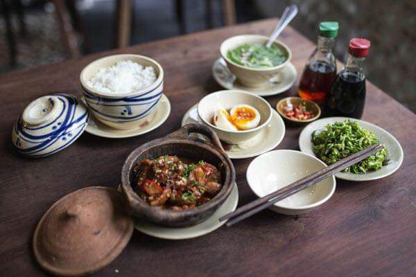Cơm Niêu Hương Việt
