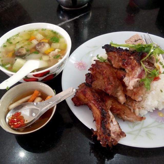 Cơm tấm Nguyễn Văn Cừ - quán cơm tấm ngon miễn chê tại Sài Gòn