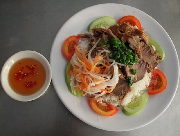 Cơm tấm phá lấu - quán cơm tấm ngon miễn chê tại Sài Gòn