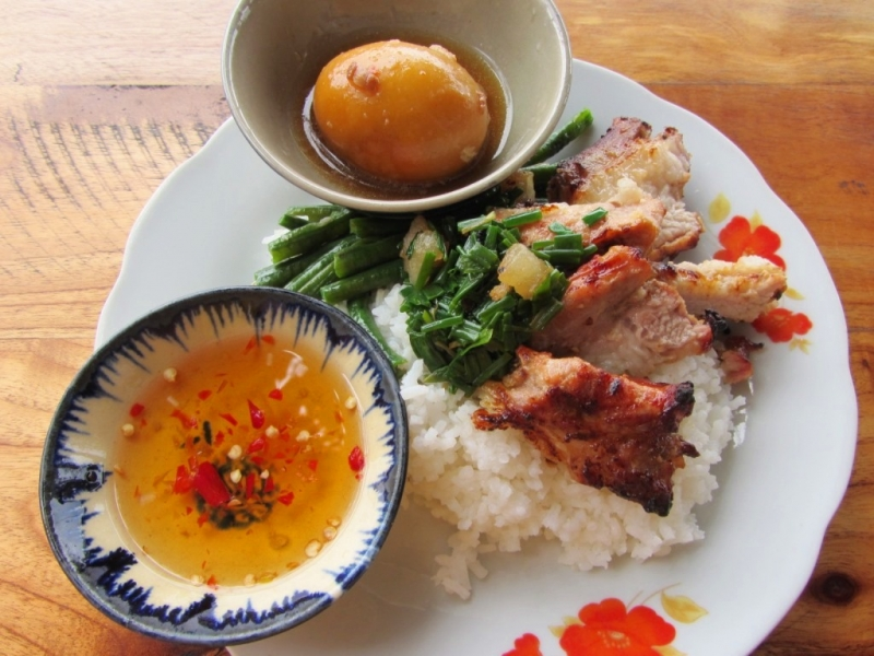 Đĩa cơm thơm ngon mang hương vị Sài Gòn