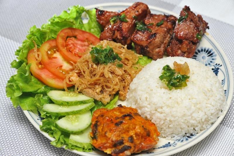 Cơm tấm món ăn nổi tiếng với tất cả người dân Sài Gòn