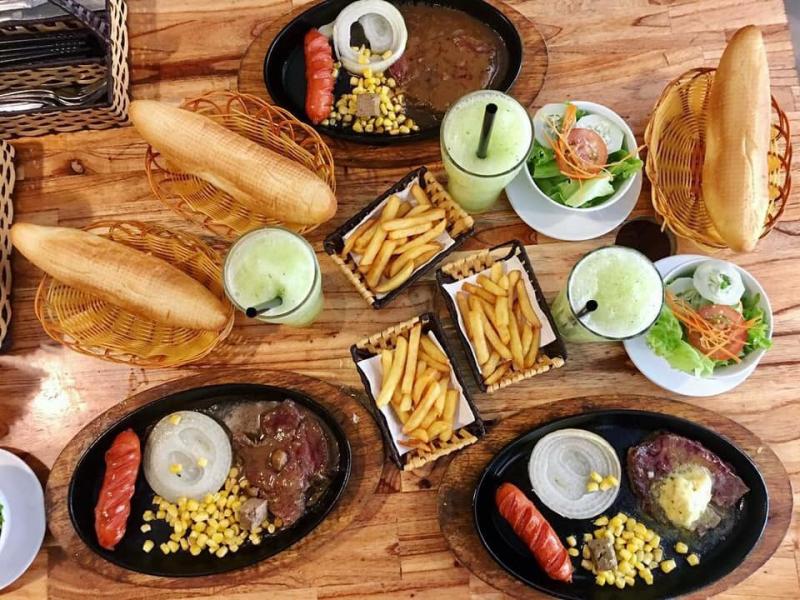 Cơm Thu Trang