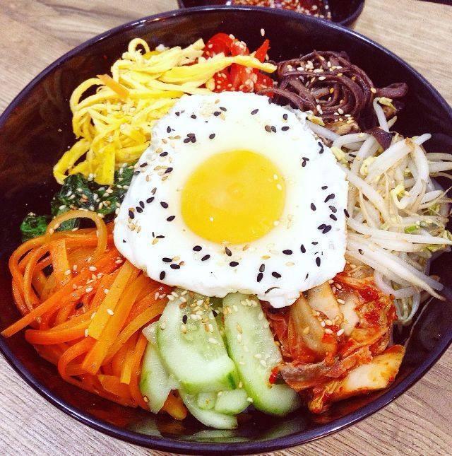 Cơm trộn Hàn Quốc tại AA Sushi Cửa Bắc
