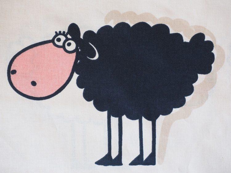 Con cừu đen kêu be be