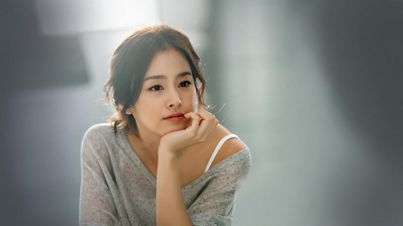 Con dâu quốc dân - Kim Tae Hee