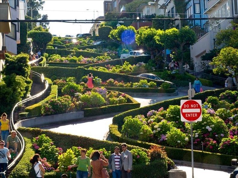 Con đường quanh co nhất thế giới - Lombard