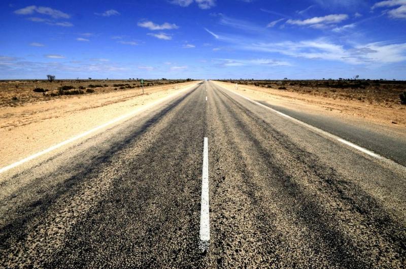 Con đường thẳng nhất thế giới - cao tốc Eyre