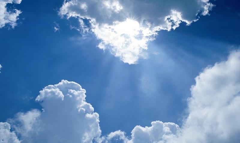 Mây đen cũng nhường chỗ cho bầu trời trong trẻo.
