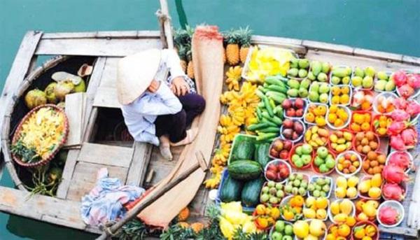 Du khách sẽ được thưởng thức nhiều trái cây ngon, đặc sản, có thể mua về làm quà cho gia đình bạn bè.