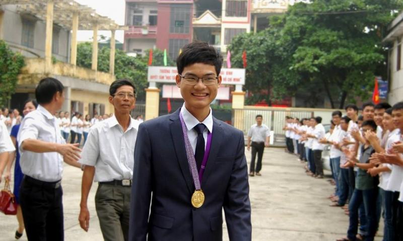 Vũ Xuân Trung - niềm tự hào của quê hương Thái Bình khi đạt huy chương vàng Olympic Toán quốc tế năm 2015