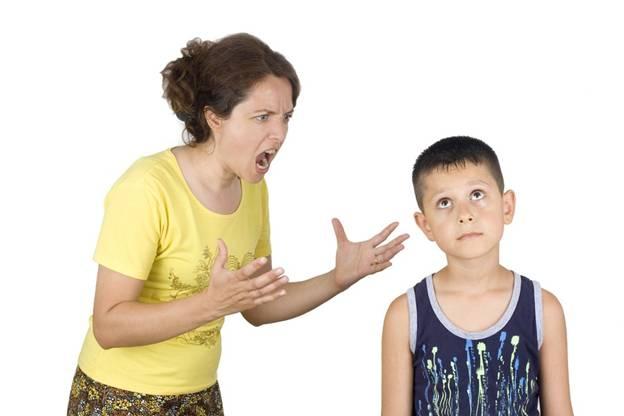 Tại sao mẹ lại sinh ra con dở như vậy trong khi cu Tí hàng xóm lại giỏi như thế