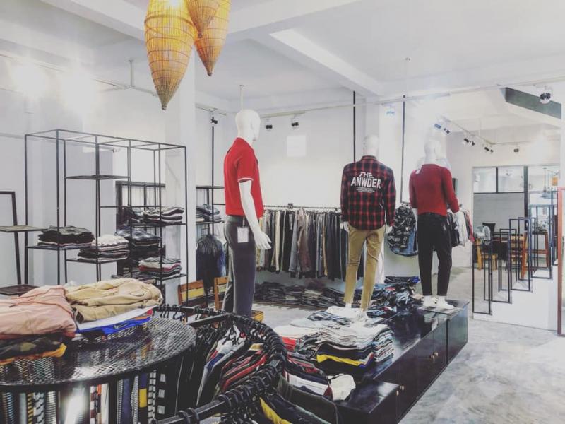 Không gian Conan Shop đơn giản nhưng thu hút