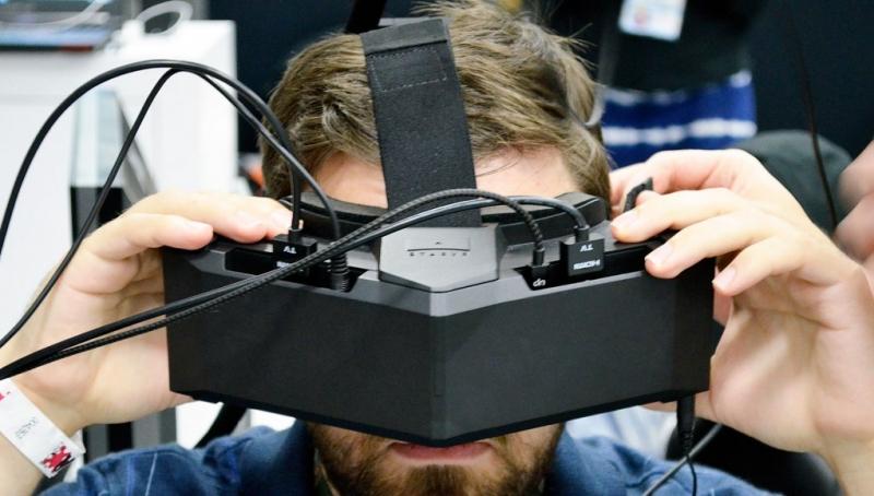 Thay vì xem phim tại rạp, giờ đây bạn hoàn toàn có thể trải nghiệm công nghệ thực tế ảo ngay tại nhà