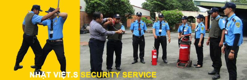 Công ty hiện nay có trên 300 nhân sự điều đã được đào tạo & huấn luyện nghiệp vụ bảo vệ chuyên nghiệp và dày dặn kinh nghiệm trong công tác bảo vệ tại mục tiêu