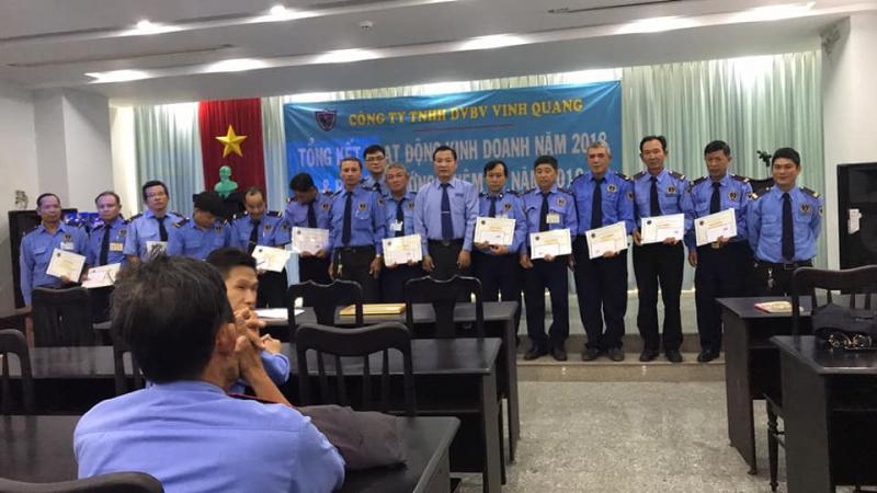 Công ty bảo vệ Vinh Quang