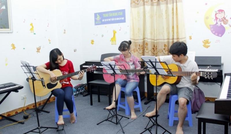 Chương trình học bài bản theo từng cấp độ và độ tuổi khác nhau tại Việt Thương Music School.