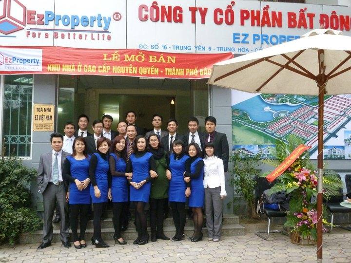 Đội ngũ nhân sự của EZ Việt Nam